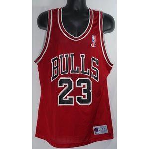 buy popular 76ba5 10c0c Champion Jordan #23 Bulls Jersey Size 44 Vintage